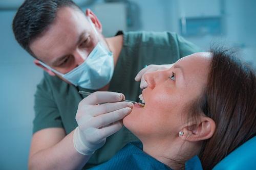 santé bucco-dentaire au Dentiste 974
